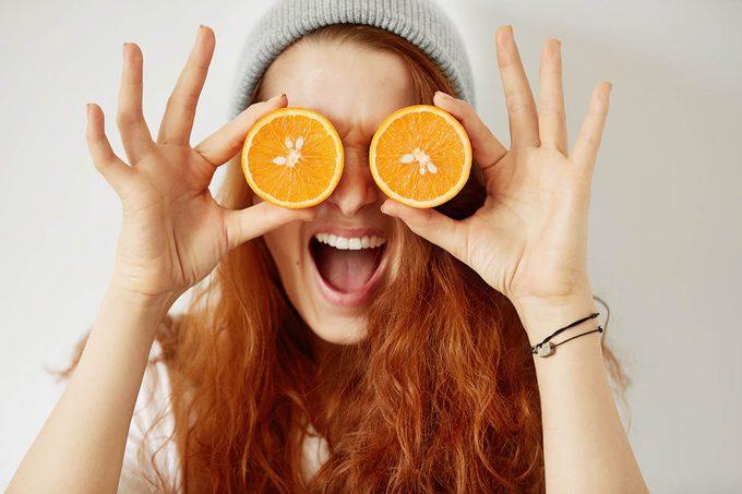 La dégénérescence maculaire peut être prévenu en mangeant des oranges.