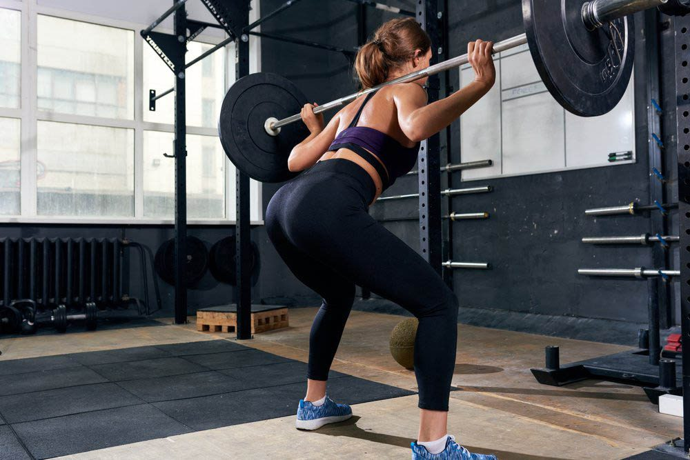Une douleur entre les omoplates peut survenir après des exercices centrés sur l'avant du corps.