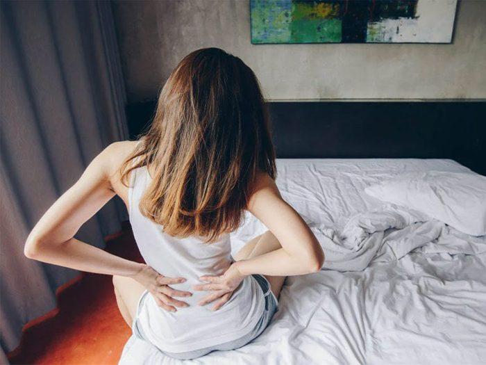Une hernie discale peut être la cause de votre douleur entre les omoplates.