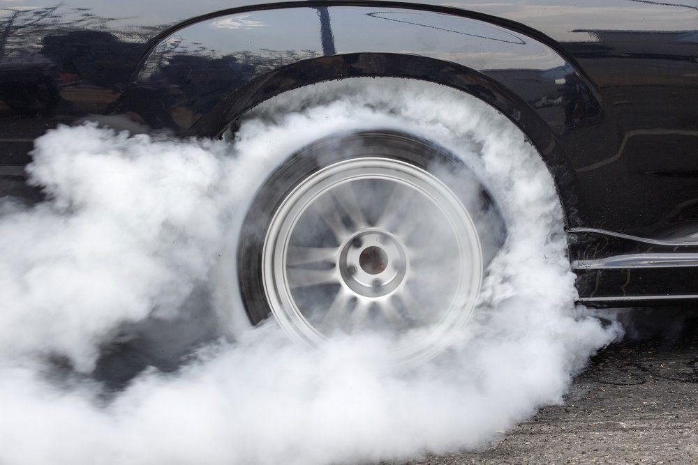 Jouer avec l'accélérateur peut réduire la durée de vie d'une voiture.