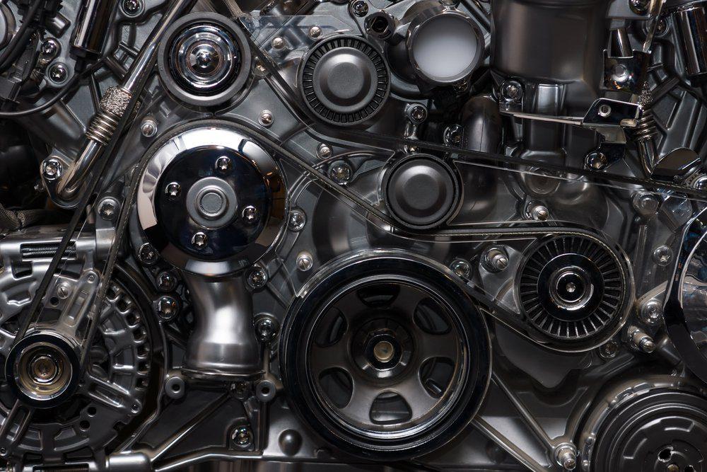 Ne pas nettoyer sous le capot peut réduire la durée de vie d'une voiture.
