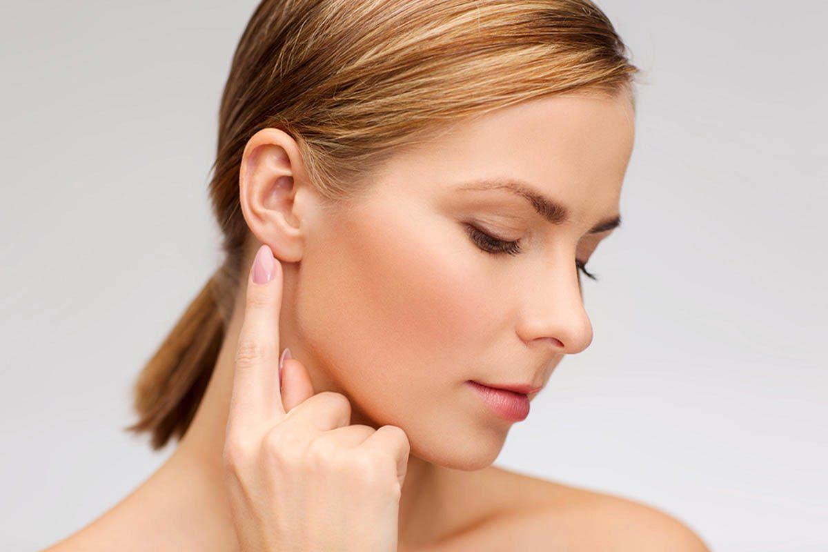 Stimulez votre énergie en vous frottant les oreilles.