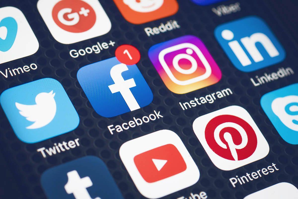 Les fausses nouvelles circulent beaucoup grâce aux réseaux sociaux.