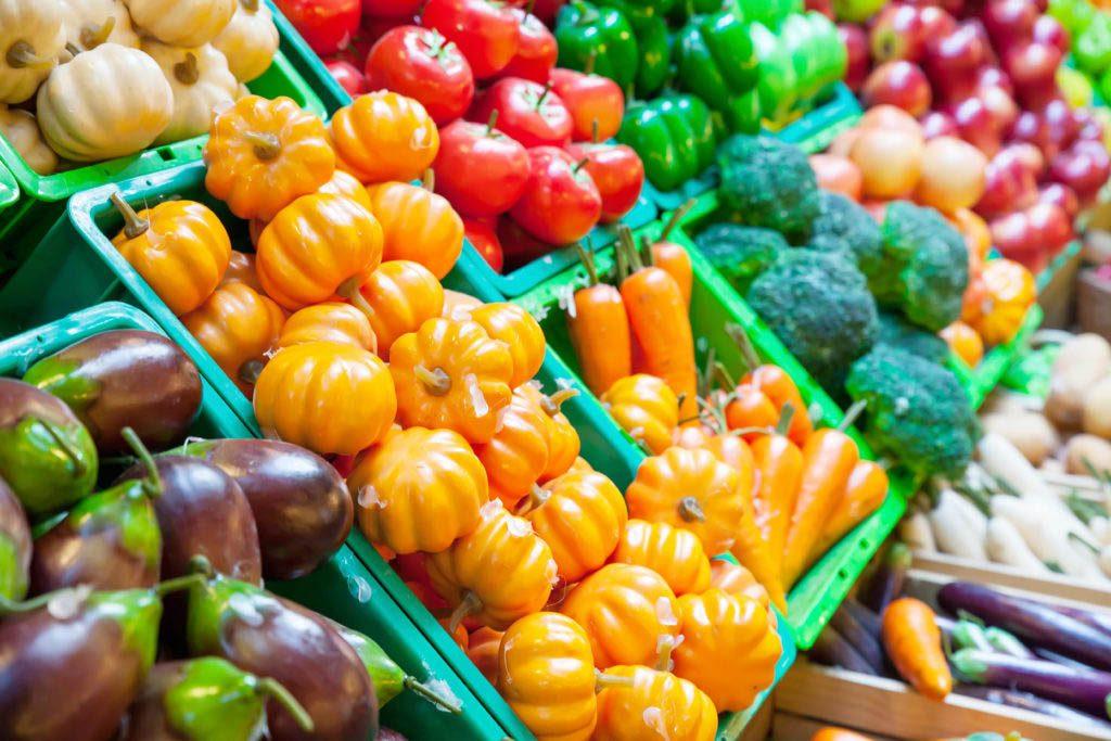 Magasinage : les épiceries mettent à l'avant-plan leurs produits les plus flamboyants.