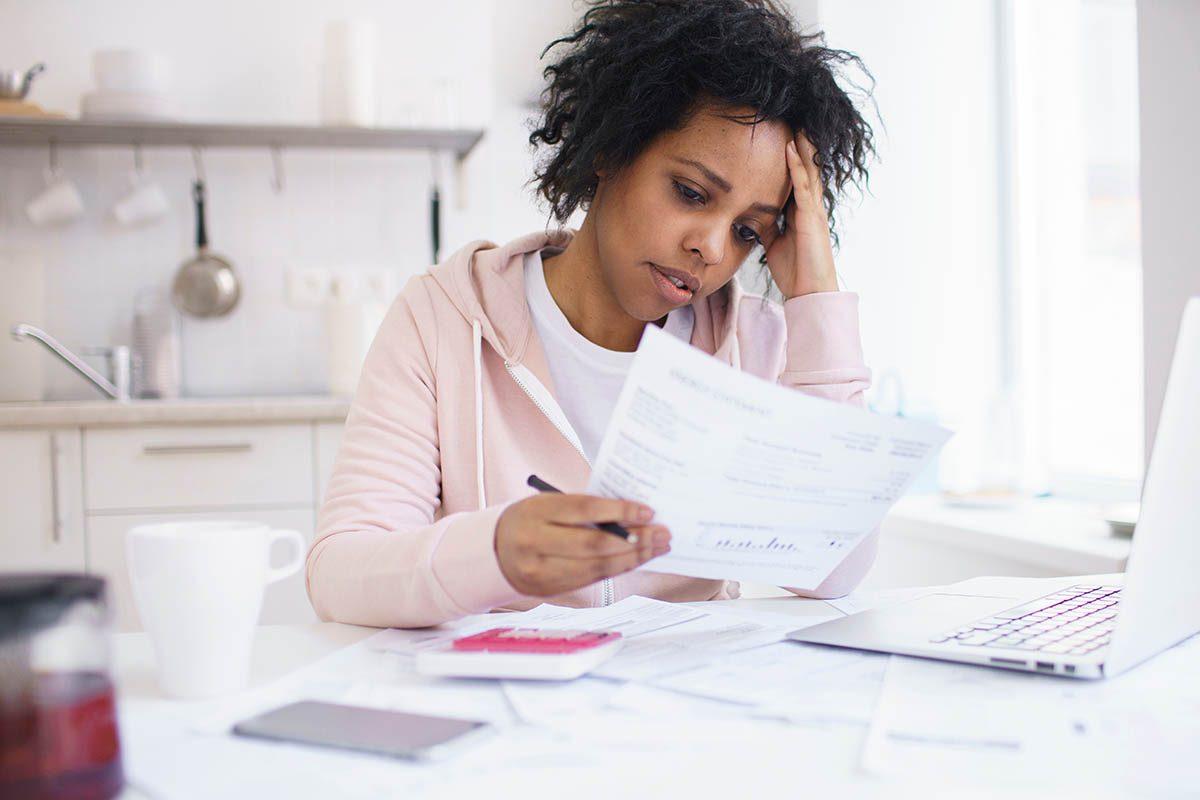 Magasinage : le paiement différé atténue ce que les économistes appellent la «douleur de payer».
