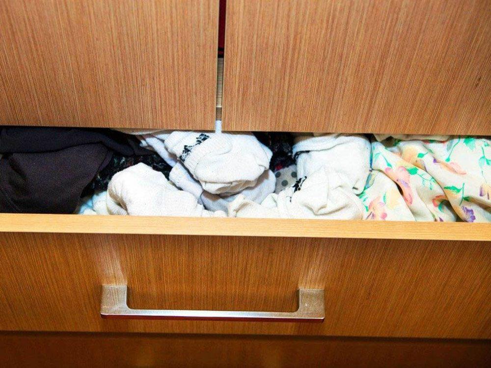Ménage: faites le tri dans vos bas et sous-vêtements.