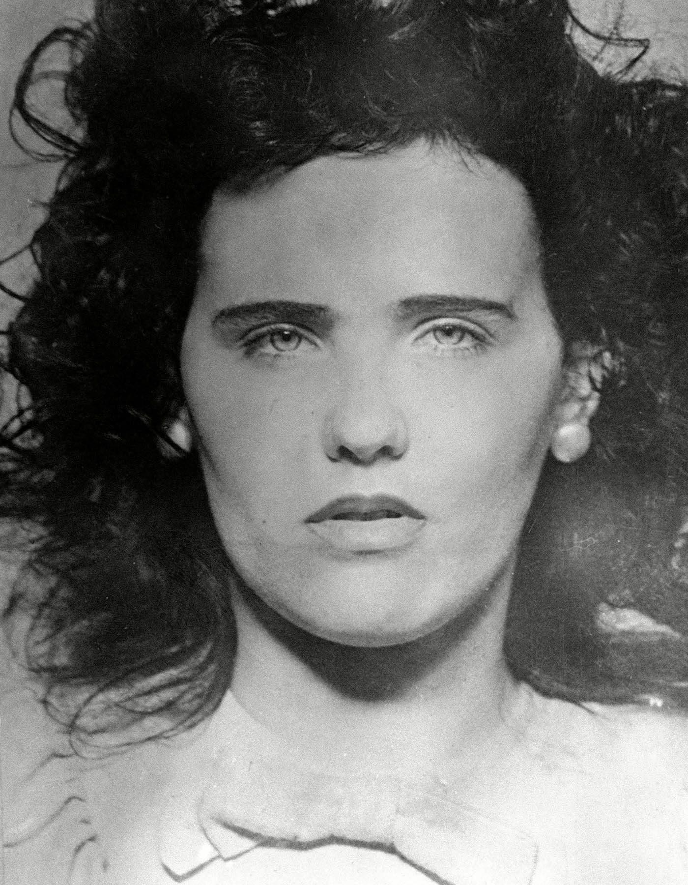 La mort mystérieuse de Elizabeth Short s'inscrit comme l'un des plus anciens et des plus célèbres cas non résolus de la ville de Los Angeles.