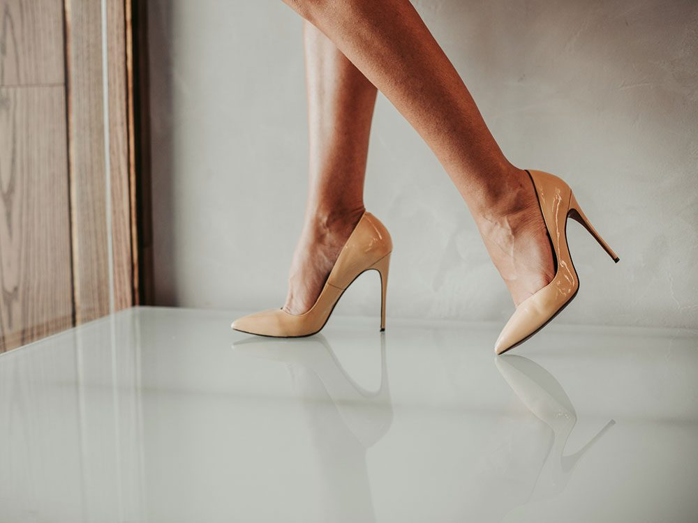 Mythe sur la santé: les talons hauts sont mauvais pour les pieds.