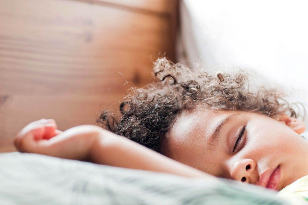 Mythe sur la santé : les enfants sont les meilleurs dormeurs.