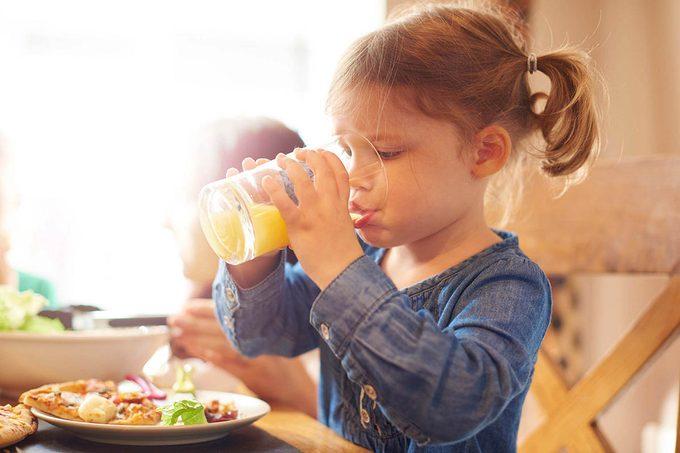 Mythe sur la santé : le jus de fruit est meilleur que les boissons gazeuses.
