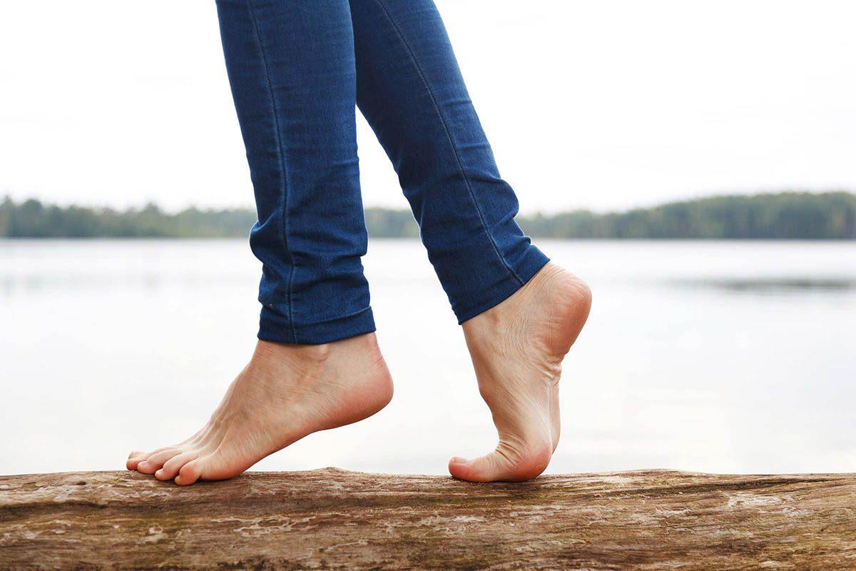 Mythe sur la santé : on marche mieux pieds nus.
