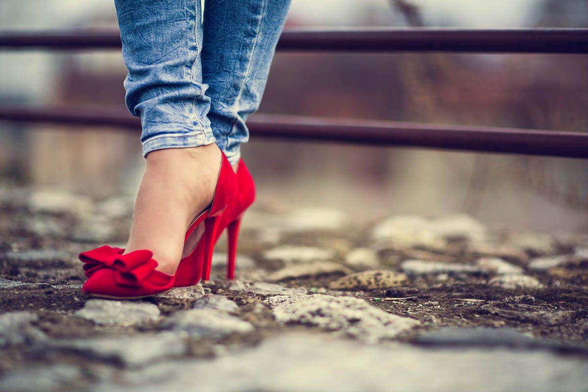 Mythe sur la santé : les talons hauts sont mauvais pour les pieds.