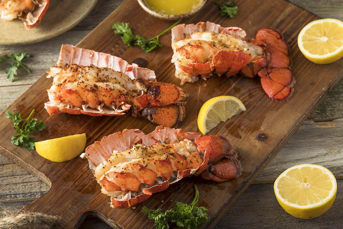 Pour le repas de Noël, préparez du homard au paprika.