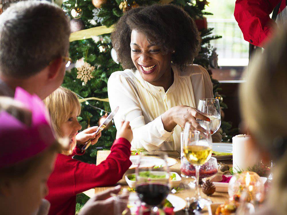 Durant le repas des Fêtes, concentrez-vous sur les raisons de vos retrouvailles.