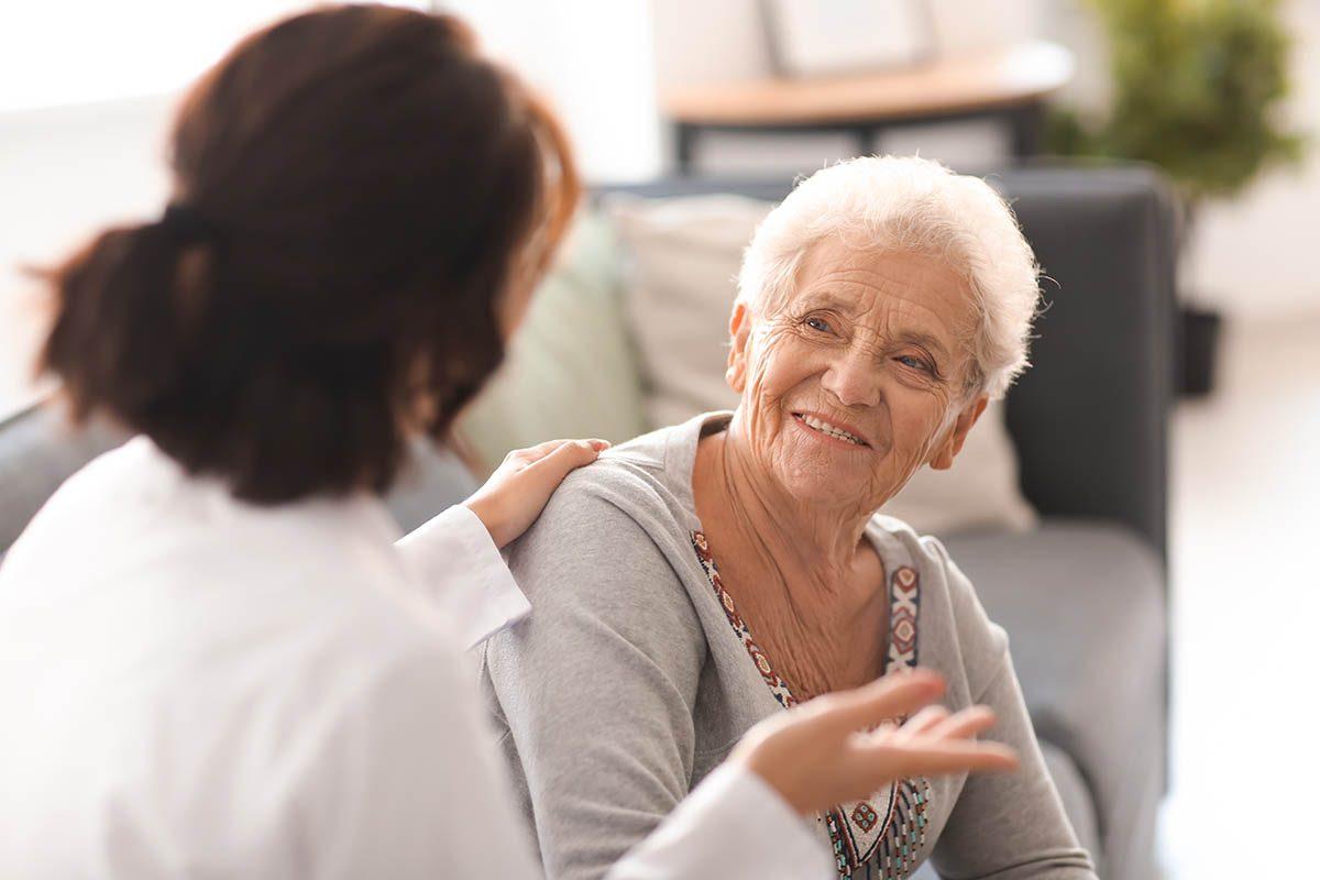 Le rhume peut entrainer des complications chez les personnes âgées et les enfants.