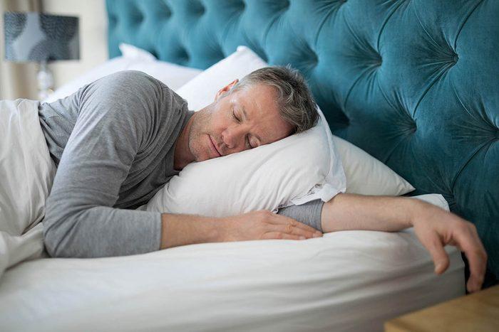 La routine quotidienne doit inclure une bonne nuit de sommeil.