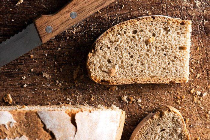 Pour votre santé, substituez des grains entiers aux glucides raffinés.
