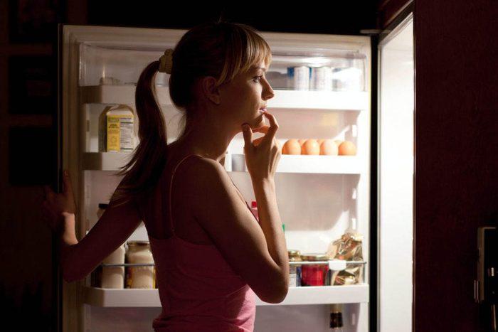 Pour votre santé, évitez le grignotage nocturne.