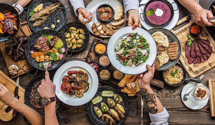 Tradition porte-bonheur en Estonie : mangez comme sept.