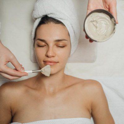 Le vieillissement de la peau peut être due au stress.