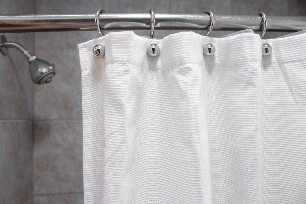 Le vieillissement de la peau peut être causé par des douches trop chaudes.