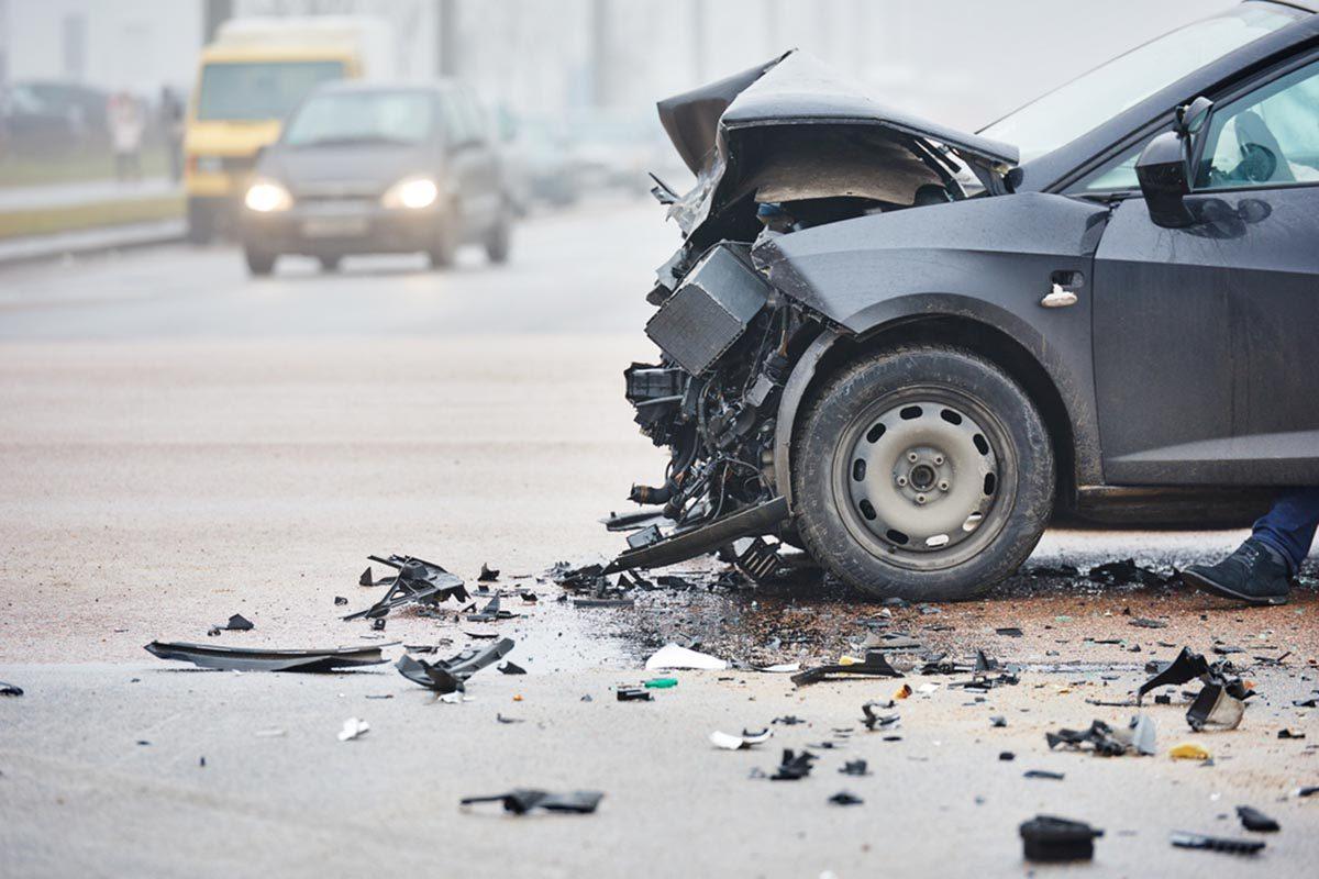 Après un accident de voiture, prenez en note l'heure et les conditions météorologiques.