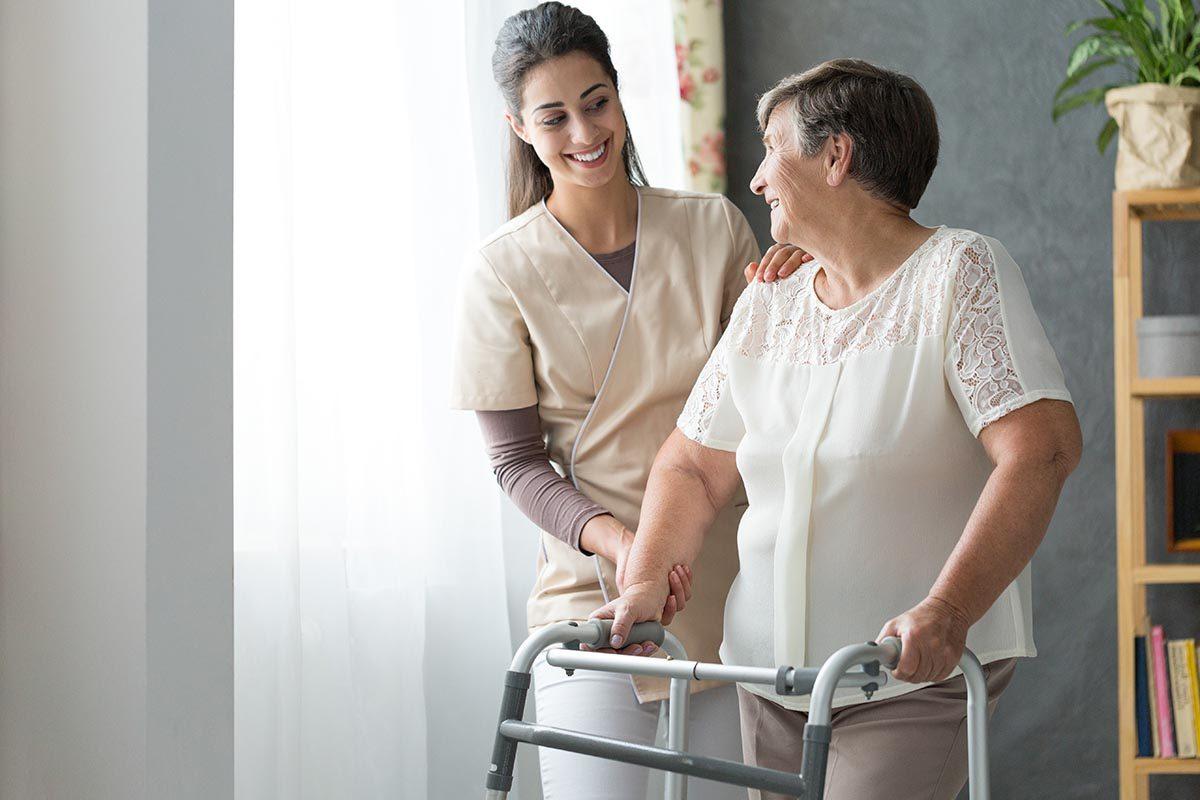 Les aînés se rendent des services.