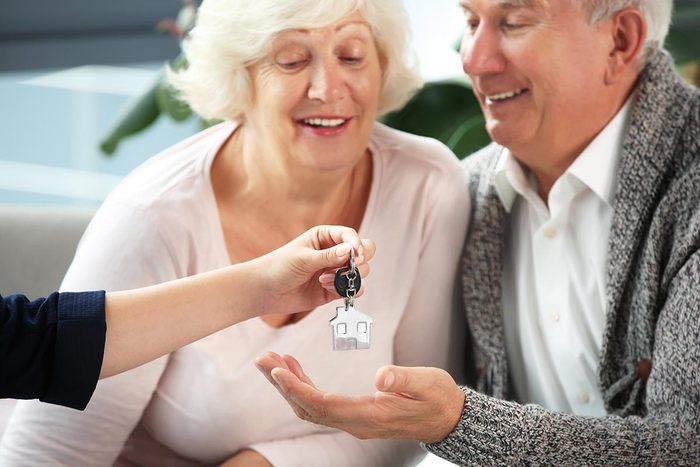 Les aînés bénéficient de logements sociaux adaptés.