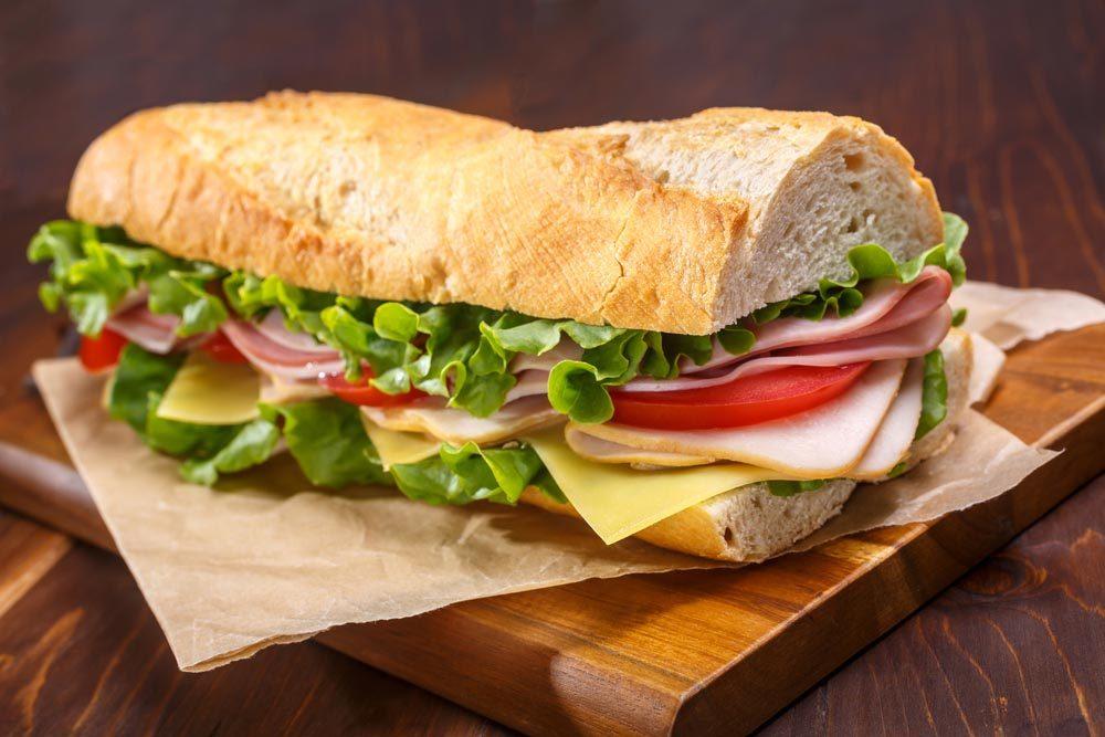 Aliment santé : les tranches de dinde faibles en sodium.