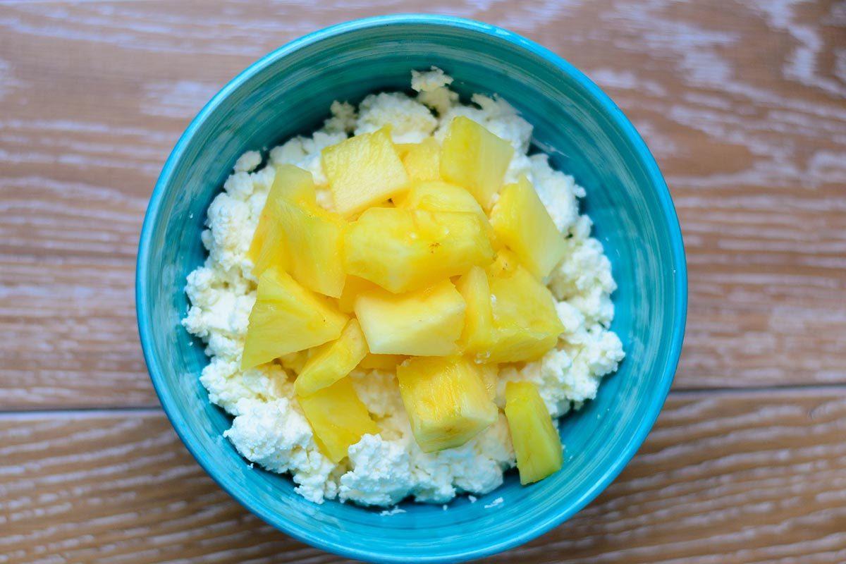 Collation à moins de 100 calories : ananas et fromage cottage