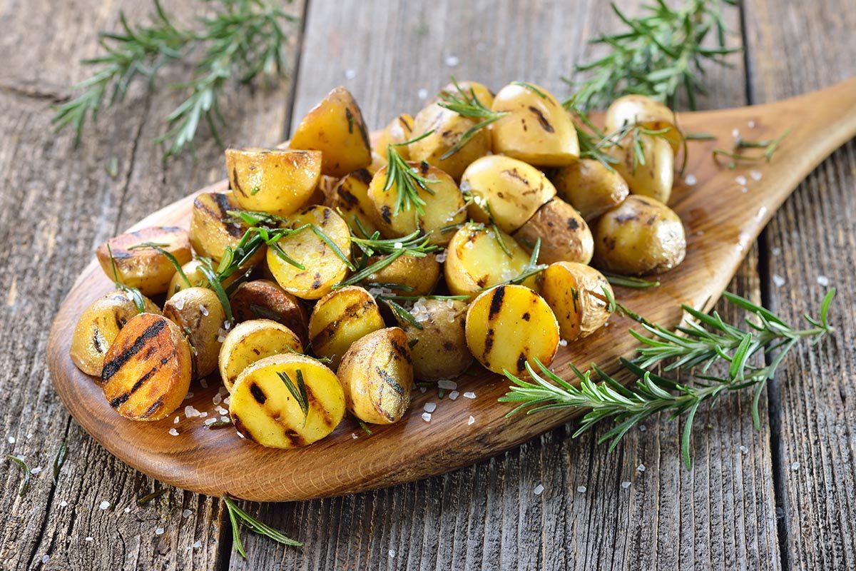Collation à moins de 100 calories : petites pommes de terre