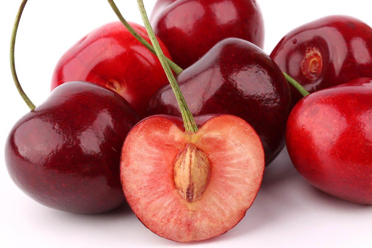 Aliments dangereux : ne mangez pas de noyau de cerise.