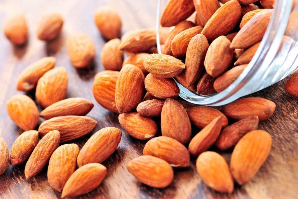 Aliments à ne jamais mettre au mélangeur : des noix.