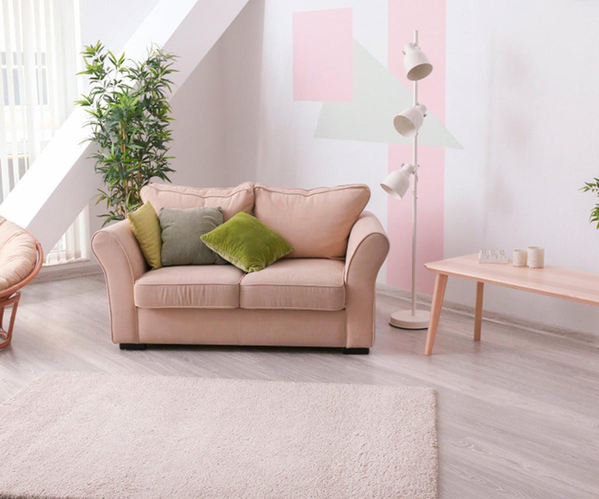 Aménagement intérieur : évitez de coller les meubles contre le mur.