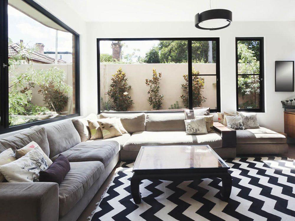 Un mauvais tapis peut être l'une des erreurs d'aménagement d'intérieur à éviter.