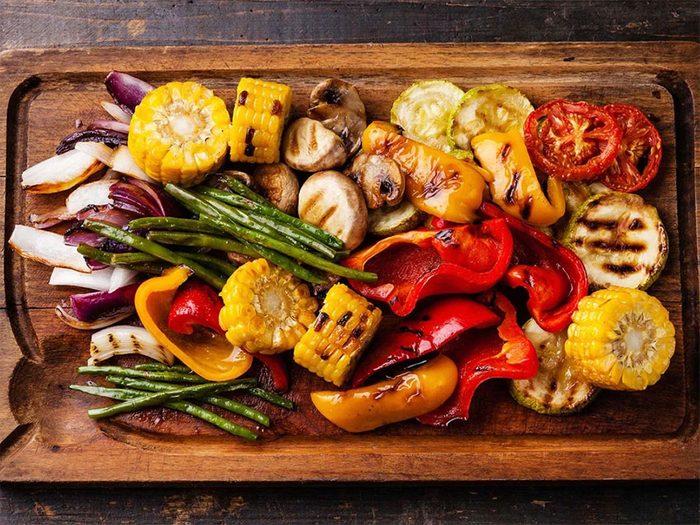 Manger des fruits et des légumes fait partie des trucs anti-cancer à faire!