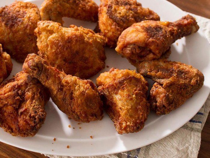 Dans un buffet à volonté, évitez les aliments frits.