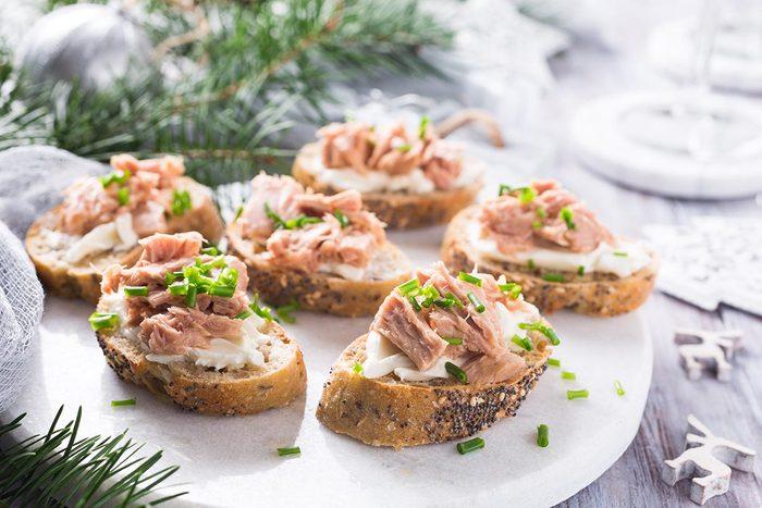 Dans un buffet à volonté, évitez le thon.