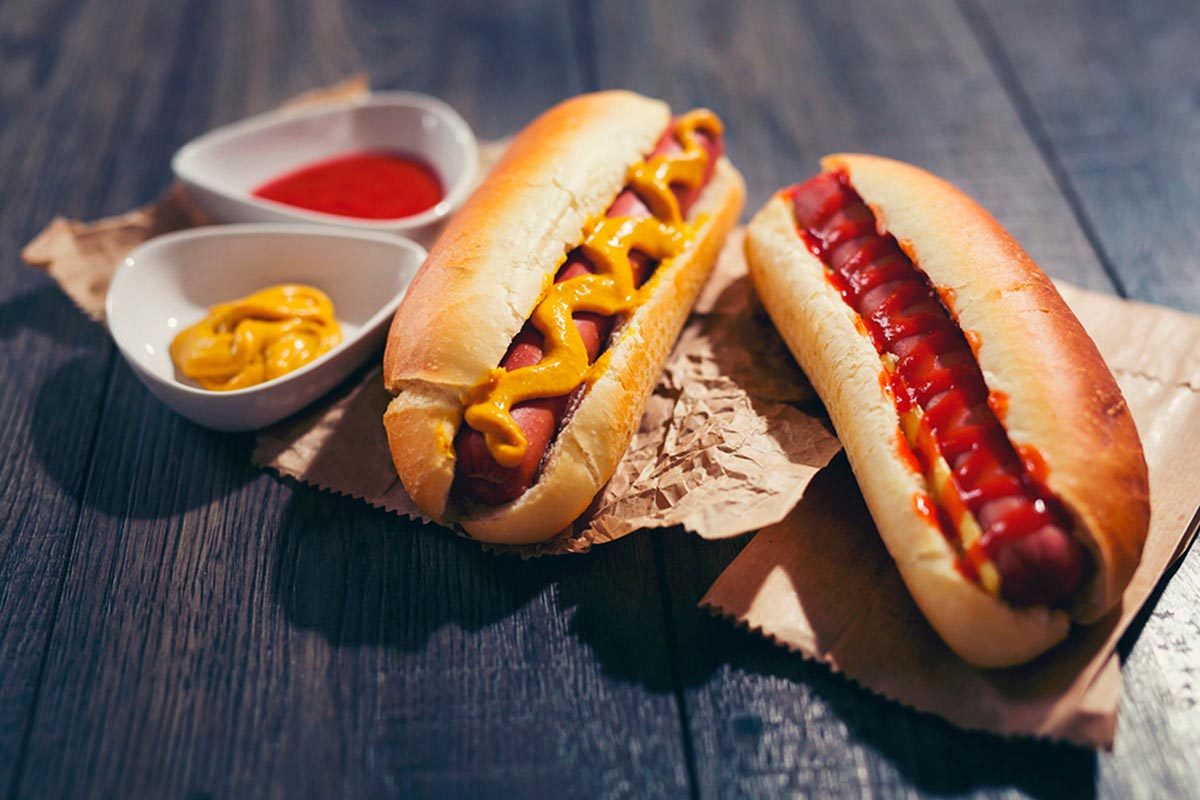 Les cardiologues évitent de manger des hot dogs.