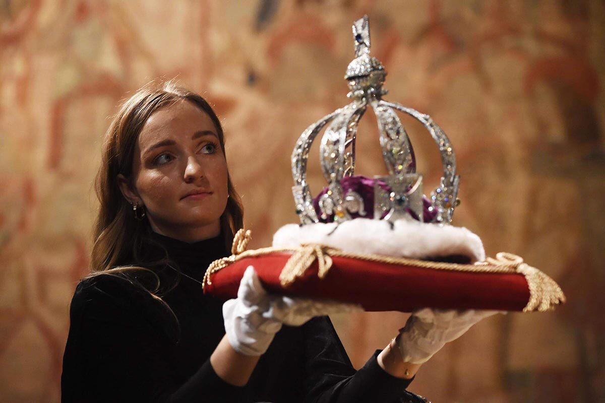 Au château de Windsor, les joyaux royaux sont dans des cachettes.