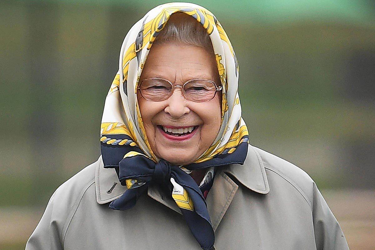 Le château de Windsor change d'étendard quand la reine est présente.