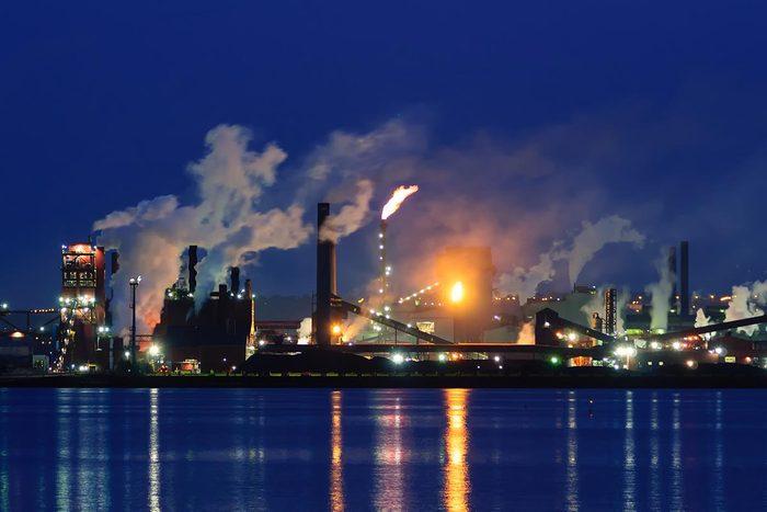 Les déchets causés par les multinationales ne sont pas la priorité de l'Etat.