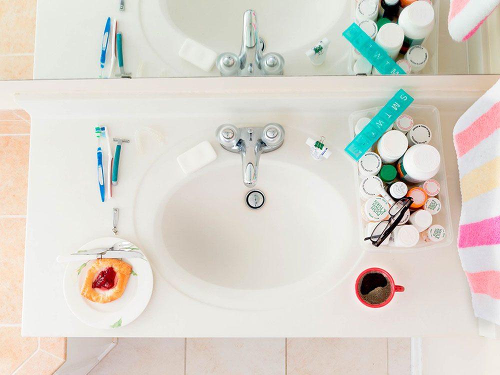 Se brosser les dents juste après avoir mangé peut abîmer vos dents.