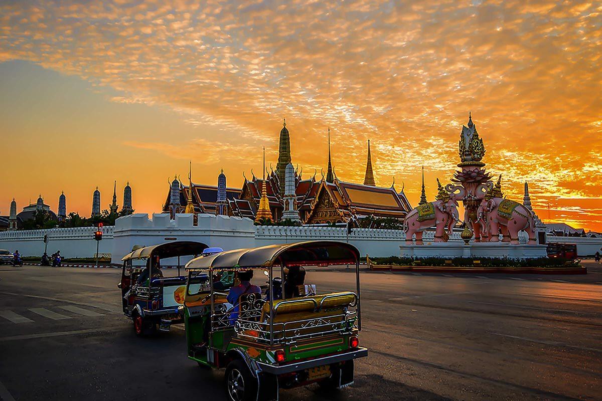 Destination au soleil : Bangkok, en Thaïlande.