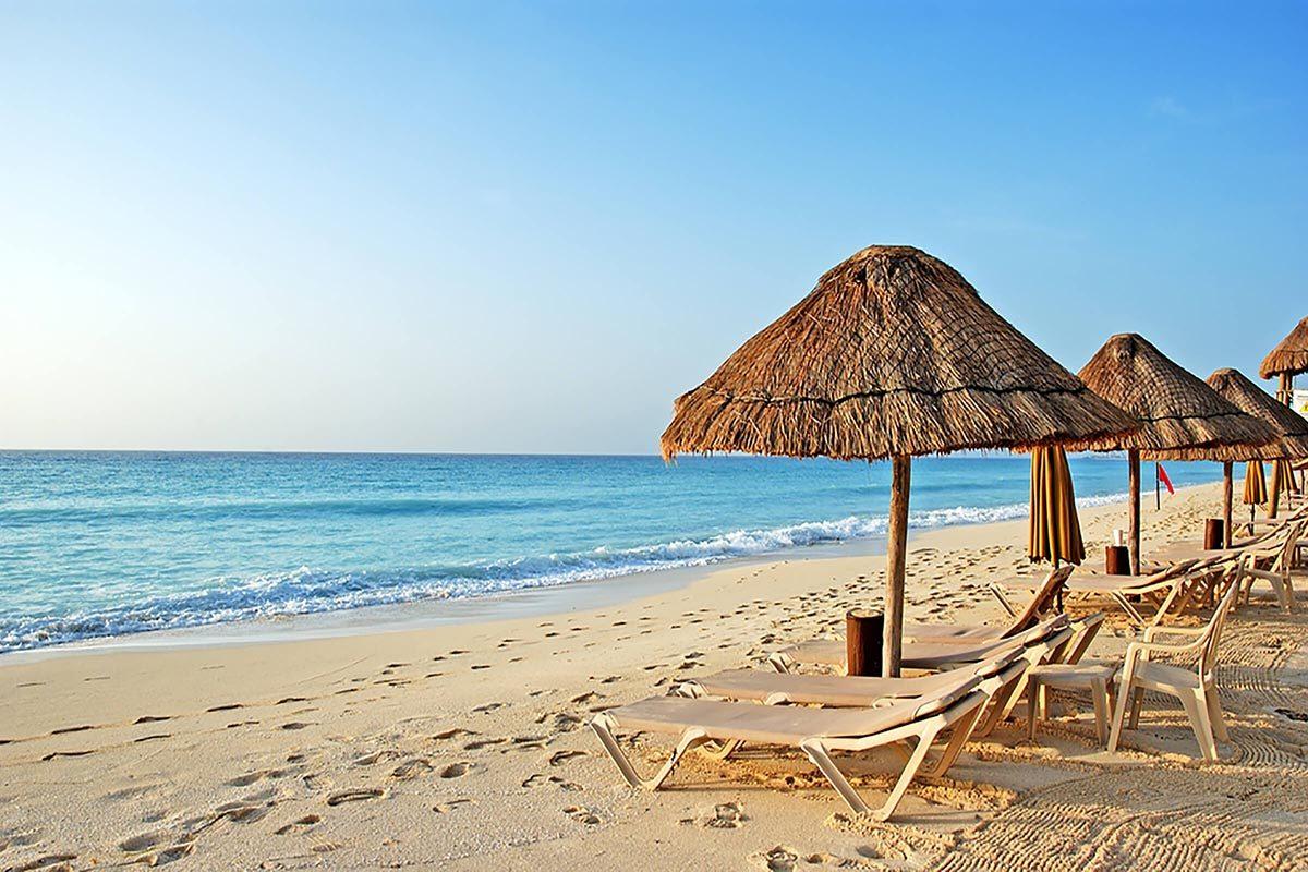 Destination au soleil : les îles Caïmans.