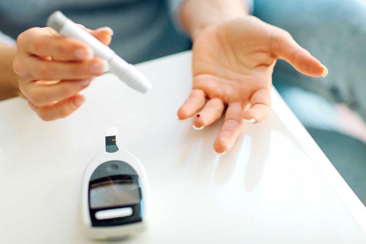 En cas de diabète, il est important de mesurer son taux de sucre dans le sang.
