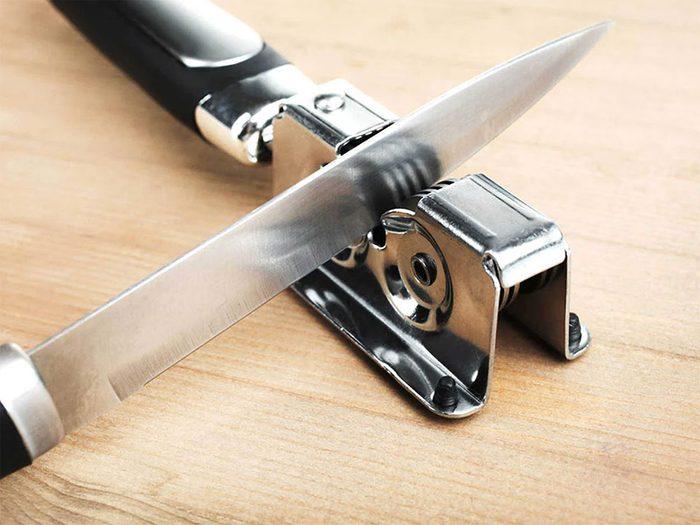 Erreur en cuisine: vous n'aiguisez pas régulièrement vos couteaux.