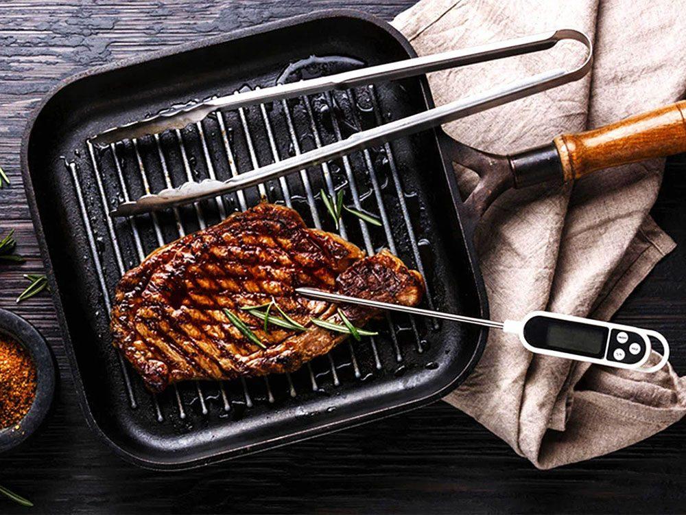 Erreur en cuisine: vous n'utilisez pas le thermomètre à viande.