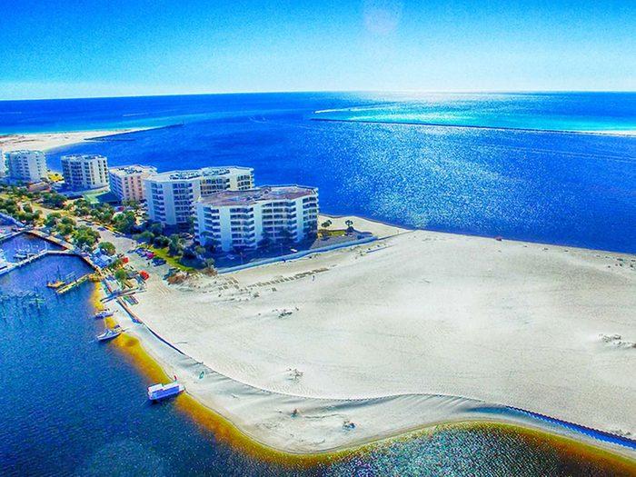 Penser que la Floride a le plus long littoral de tous les états des États-Unis est une erreur de géographie.