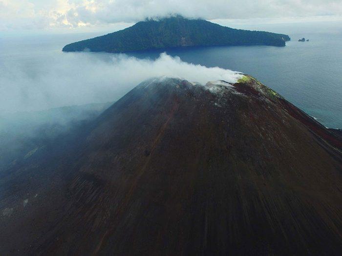 Penser que le Krakatoa est à l'est de Java est une erreur de géographie.